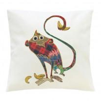 Подушка белая с рисунком «Тряпичная обезьянка»