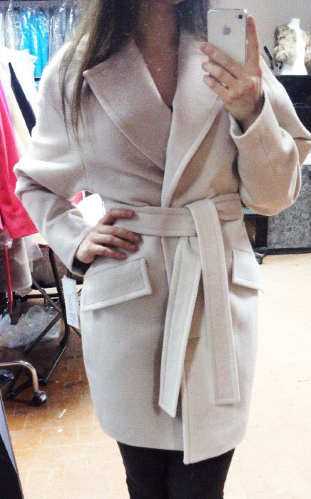 Пальто кимоно, карманы клапаны, молочный