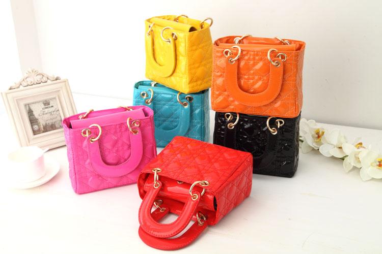 Модные бренды женских сумок: в обзоре новые коллекции