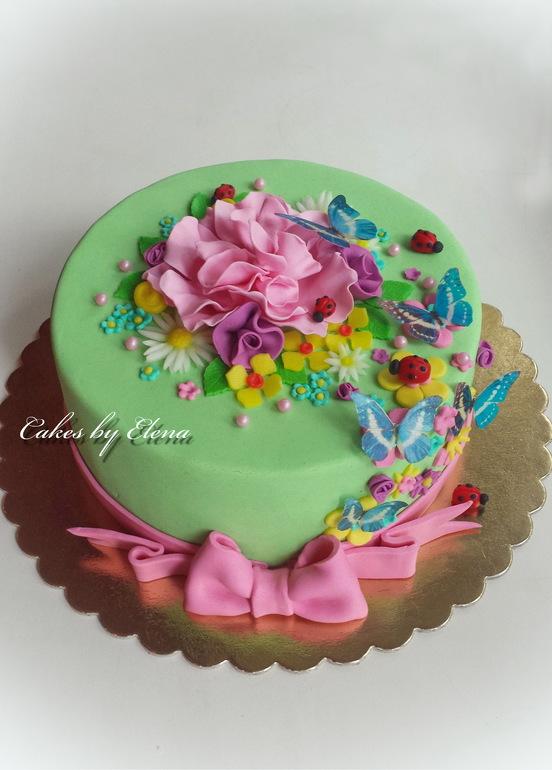 Торт для девочки с цветами